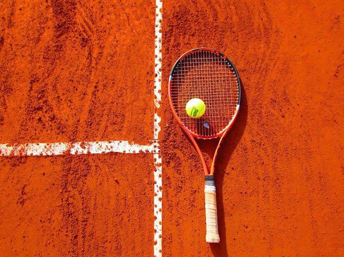 Votre Manager Organise Un Tournoi De Tennis : Devez-vous Le Laisser Gagner
