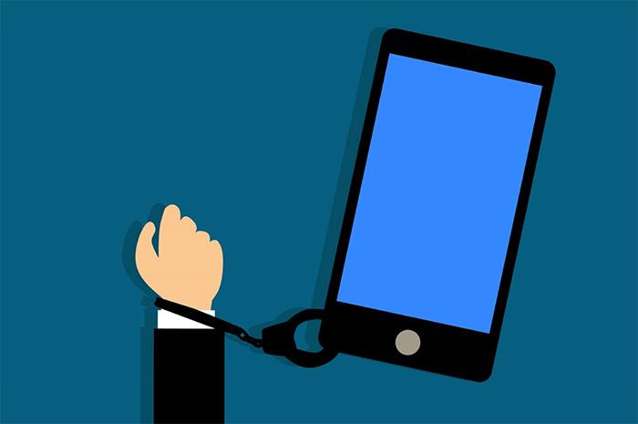 Smartphone, Smartphone, Quand Tu Nous Tiens…